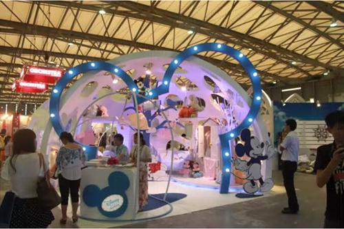 迪士尼童装帮您解决童装店的装修风格!
