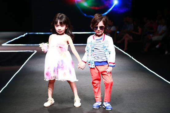 潮牌孵化:六小龄童品牌战略合作