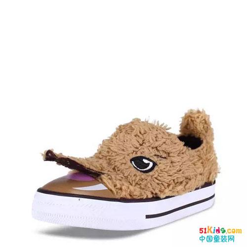 将小动物形态设计上鞋面,宝贝们踩上一双,萌态可掬的小脚丫足够令其它