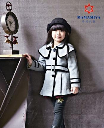 儿童斗篷外套怎么搭配好看 女童斗篷外套搭配