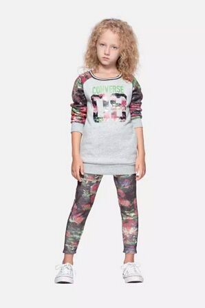 ROOKIE冬日型格内搭推荐 灵感创造 印花潮衫
