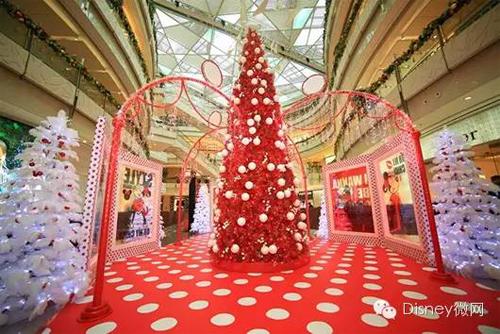 迪士尼圣诞狂欢|米奇、爱莎开启璀璨星光旅程