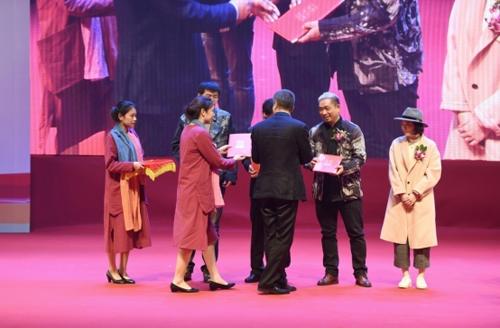 首家国际潮牌FolliFollie玩转中国少儿时尚盛典