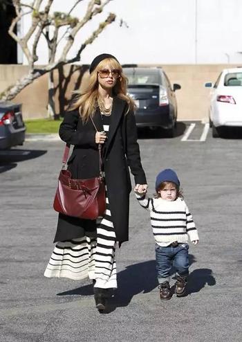 伊顿风尚:好莱坞最具影响力造型师与儿子的日常