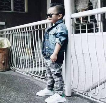 比比我:潮小哥Lhen的街拍搭配,一副墨镜搞定所有造型!