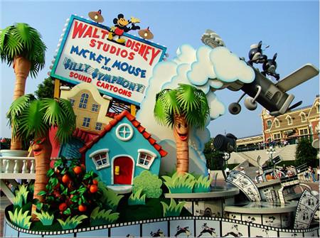 五指山天地迪士尼品牌童装为加盟商在成功的道路上指引前进的方向