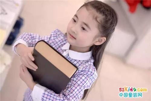 Back To School 看小童星玩转校园生活,时尚最时尚