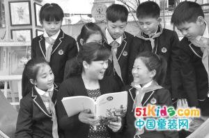四川省三八红旗手刘立频:校有良师,家有良教,才能让孩子健康成长;让教育改善家庭 让家庭助力教育;这份荣誉属于家庭教育团队。