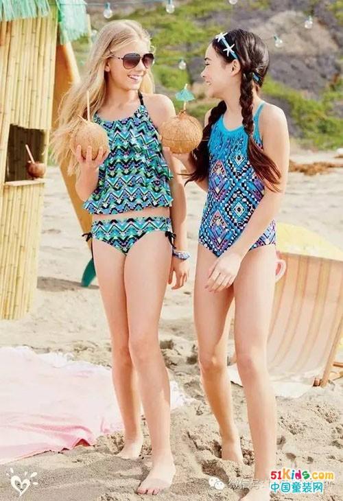 夏日来临,是时候穿上泳衣拥抱大海啦!