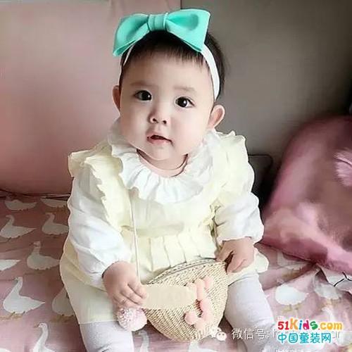 萌宝宝的甜美穿搭秀_中国童装网