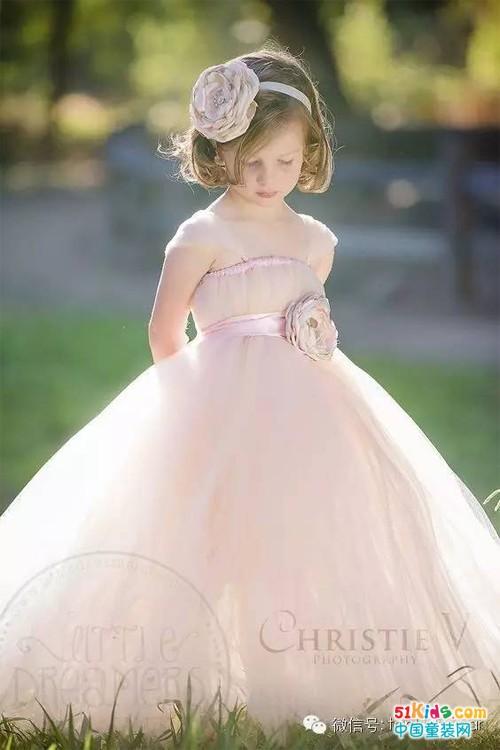 美呆啦!每个小女孩都想拥有的礼服裙