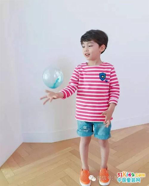夏天小男孩必备的一条短裤!