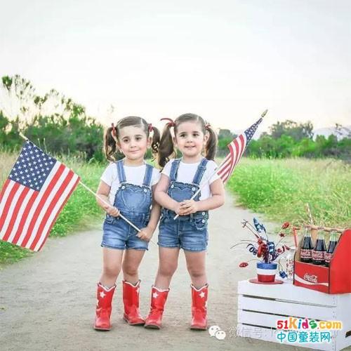 双胞胎这样穿才够抢镜!