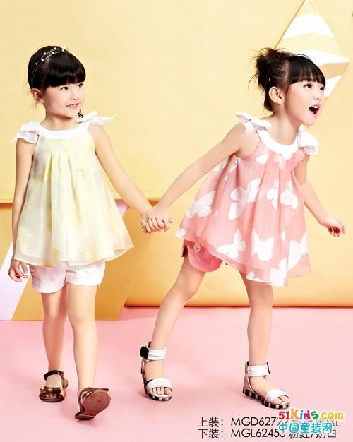 跟妈咪之星童装学搭配,裙子这样穿更好看!