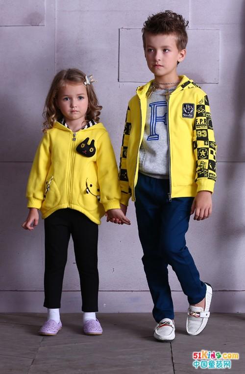 黄衣配黑裤,青蛙皇子童装这几款搭配美上天!