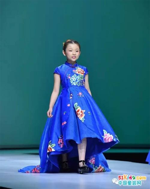 中国风度 世界瞩目——中国国际时装周汪小荷专场秀震撼登场