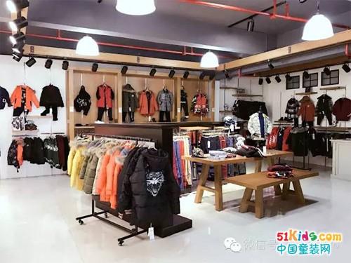 布衣草人:设计 | 展厅里的时尚简史