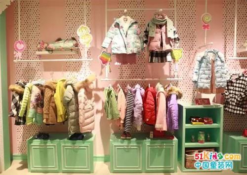 冬日里的童装店陈列要如何得到顾客的注意力?