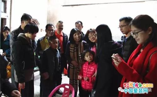 迎新春 贝乐鼠童装濠江送温暖,关爱困境儿童健康成长