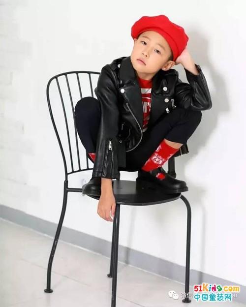 秀出另类时尚,8岁小正太LeeHarang的潮范穿搭!