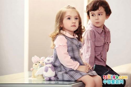 超美腻的英伦格子衣,路西米儿婴童装倾情演绎!
