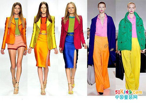 类似色服装搭配_它可以体现产品风格,是甜美的,还是炫酷的;大到整个卖场的色彩搭配,给