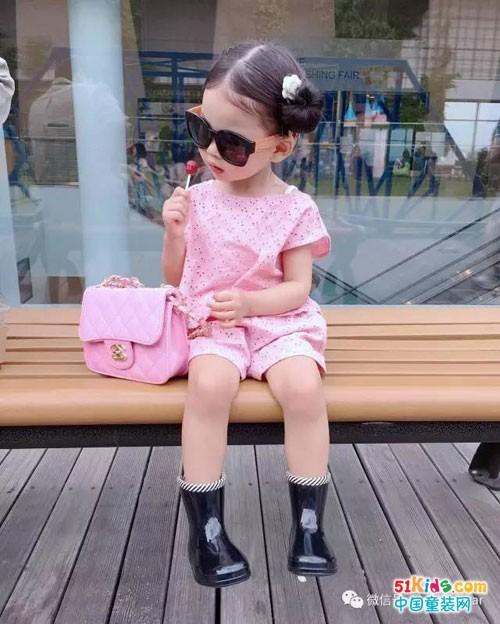 穿好名媛风,4岁小萌妞也能气质爆棚!