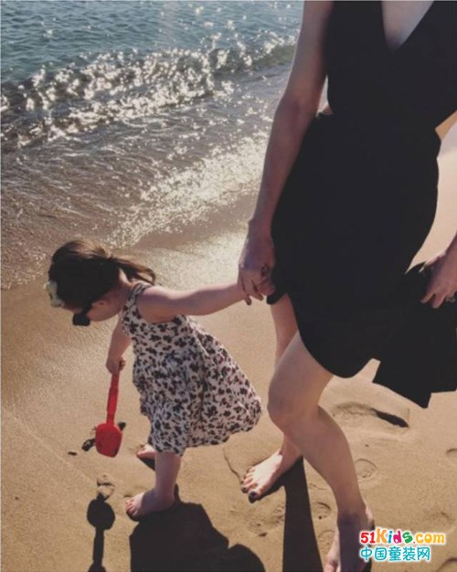 这个夏天,只想和宝宝一起留下清新、柔润、纯净的回忆