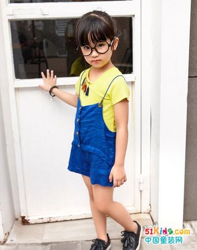 小女孩夏天出门怎样搭配?酷比小捍马童装有妙招