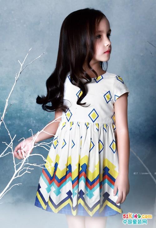 8.9岁小女孩喜欢穿什么连衣裙?红孩儿夏季连衣裙新款