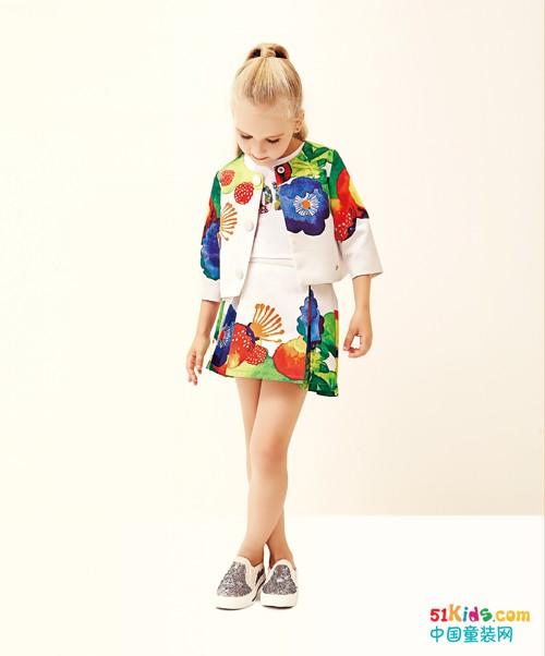 小女生如何打造优雅度假风?Folli Follie童装为你献计献策!