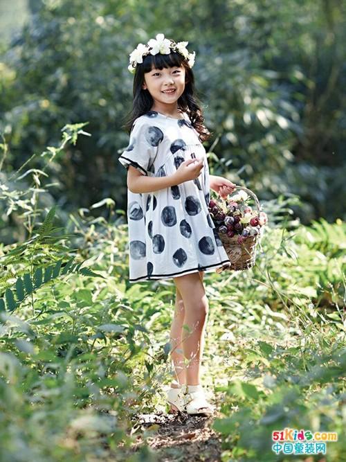 海贝童装:这样穿让孩子的休闲搭配更有品味!