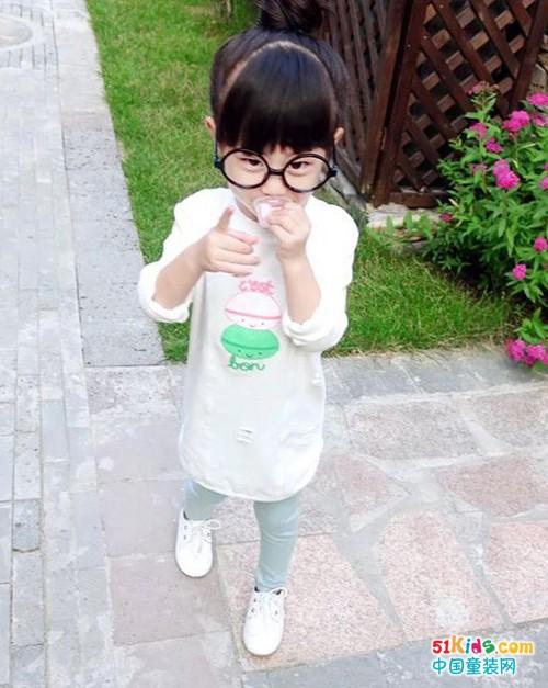 四五岁小女孩怎么穿更萌?酷小鸭童装让你美丽纷呈!