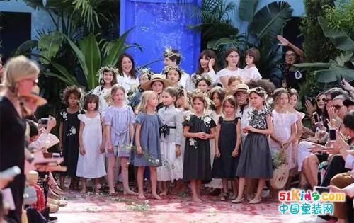 法国顶级童装品牌Bonpoint SS2018大秀,黄多多李嫣携手走T台