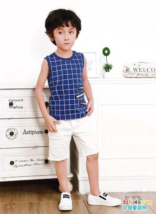 直筒五分裤怎么搭更帅气?007童品为五六岁男孩增添活力!