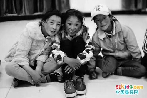 爱心行动,捐赠青海省玉树市福利学校小朋友衣物