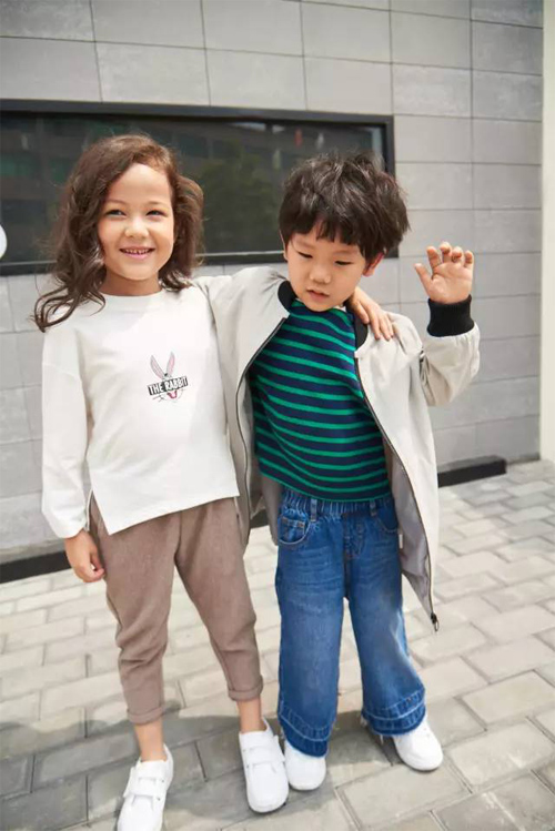 有姐姐or弟弟就是好,潮范姐弟装这样穿!