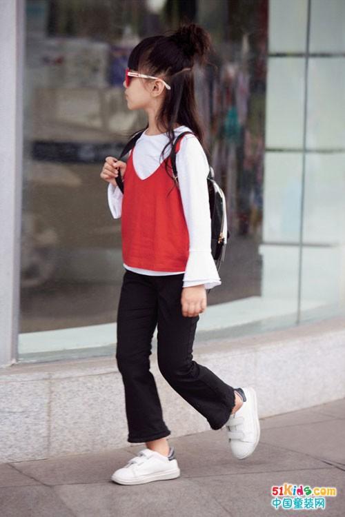 黑白红玩转时尚,妈咪之星童装如此精彩