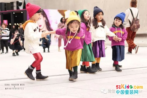 2018春夏首尔时装周潮童街拍大放送!会穿的娃走到哪里都是焦点