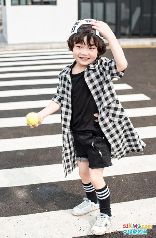 时尚小鱼童装:简约好看不重样!