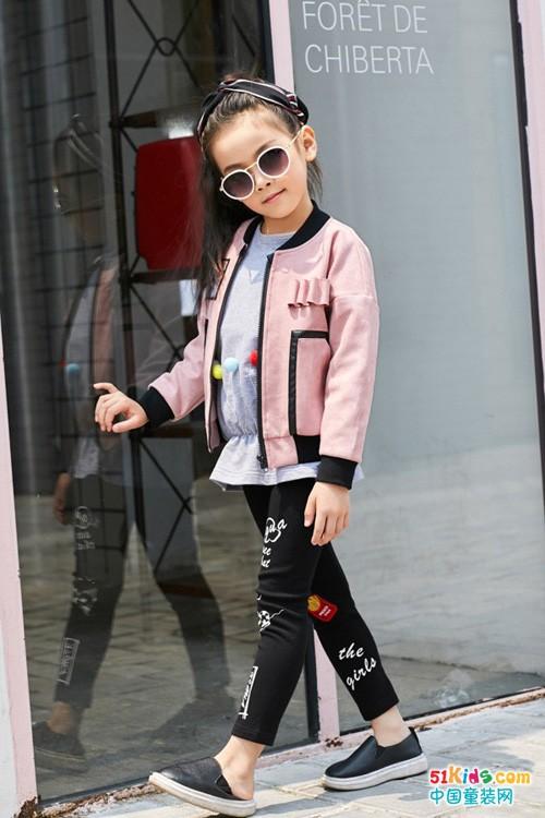 西瓜王子童装 据说女孩这样穿粉美!