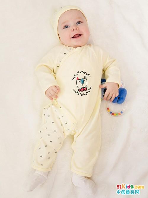新生儿穿什么衣服比较好 伊诗比蒂婴幼儿连体衣舒适又时尚