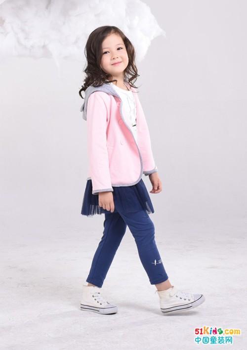 威斯米童装:白T真的可以增加魅力!