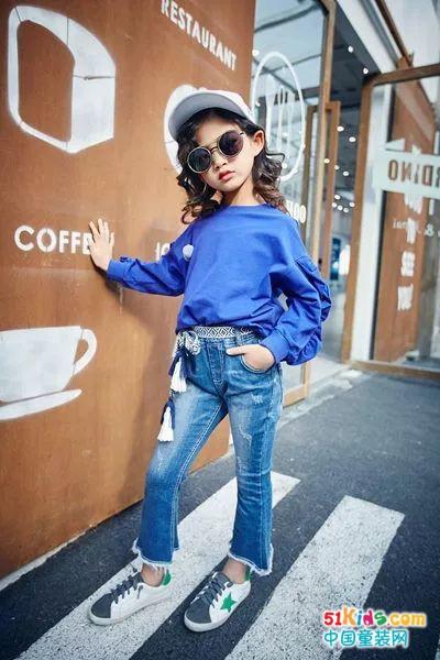 儿童穿搭丨今年流行的裤子,除了百搭之外一无是处?