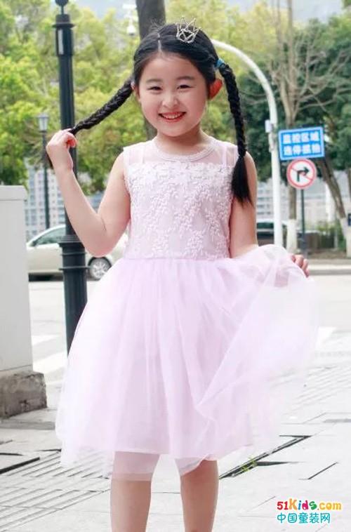 春风十里,不如穿连衣裙的小仙女