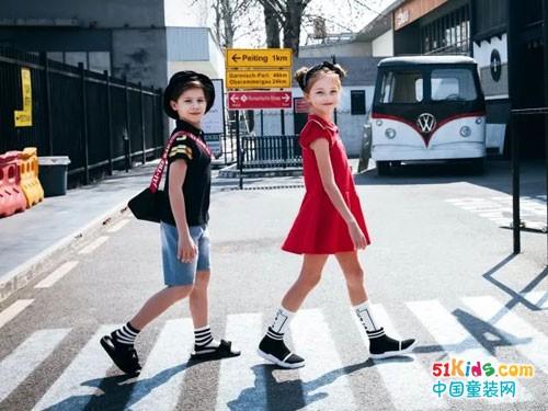 暇步士:童装搭配小技巧