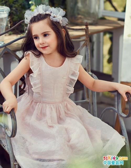 IKKI安娜与艾伦童装,童年之岁月静美