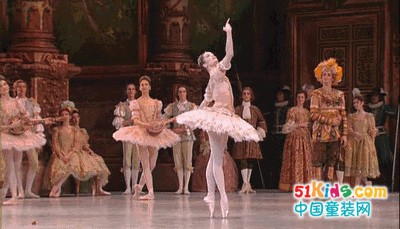 加比瑞童装花的圆舞曲 轻盈的芭蕾舞姿