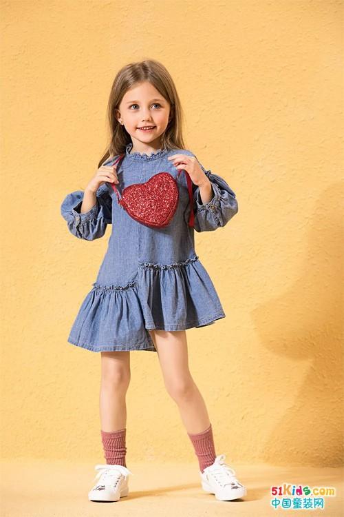 活泼俏皮的小可爱们,秋季没有牛仔裙可不行啊, 今季,不对称式连衣裙