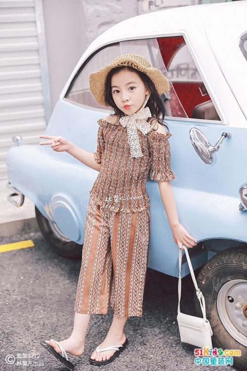 林馨儿童装 时尚优雅之美